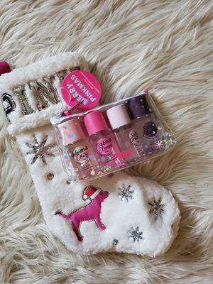 New PINK sherpa stocking & mini mist gift set for Sale in Stockton, CA
