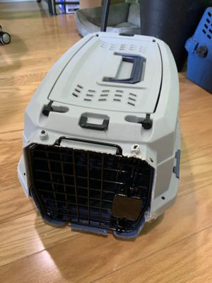 Small/toy dog crate for Sale in Queens, NY