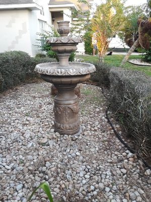 Fountain and planters for Sale in Orlando, FL