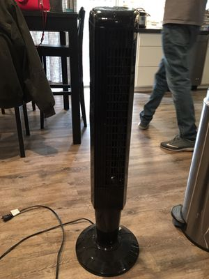 Tower fan with remote for Sale in Manteca, CA