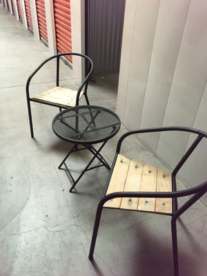 Patio furniture, small table and chairs for Sale in Carlsbad, CA
