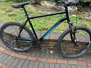 Diamondback mountain bike size wheel 27.5 aluminum frame for Sale in Westbury, NY