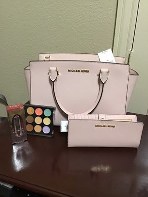 New Michael kors set for Sale in Lewisville, TX
