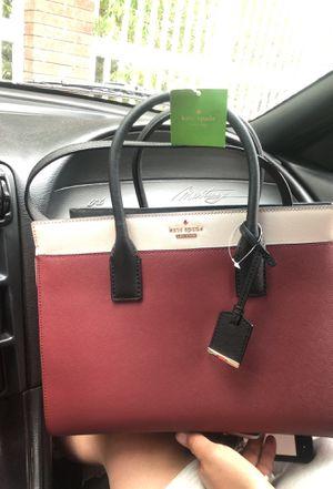 Kate Spade spade brand new burgundy and beige bag with long for Sale in Midvale, UT