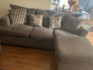 Sectional couch for Sale in Yuba City, CA