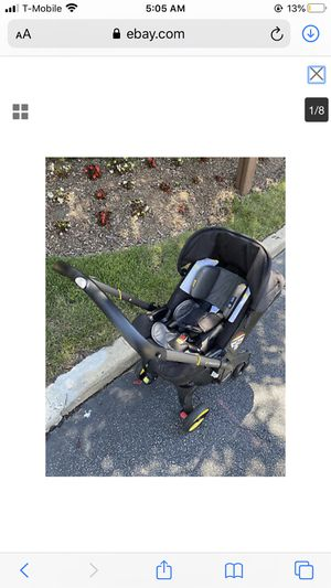 Doona™ All-in-One Infant Car Seat/Stroller with base for Sale in Dallas, TX