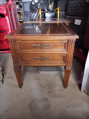 Double drawer end table for Sale in Bakersfield, CA