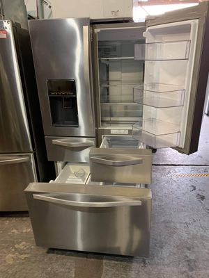 Whirlpool refrigerator financing available for Sale in Montebello, CA