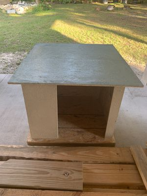 Dog house for Sale in Tampa, FL