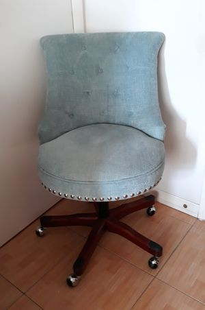 Chair Linon home decor ON SALE FOR $50 IF YOU CAN PICK UP ASAP for Sale in Margate, FL