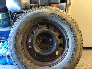 Tire 275/ 65 R18 for Sale in Warminster, PA