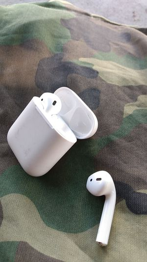 80$ apple earbuds for Sale in San Francisco, CA