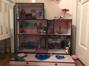 LOL Doll House pre-built with 14+ characters for Sale in Turlock, CA