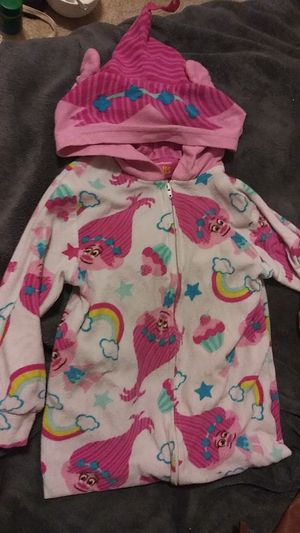 4 to 5 toddler sleep wear for Sale in Marysville, WA