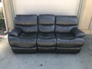 Electric Recliner Couch for Sale in March Air Reserve Base, CA