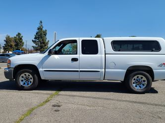 2006 GMC Sierra 1500 Work Truck 4dr Extended Cab 4WD 6.5 ft. SB for Sale in Bloomington,  CA