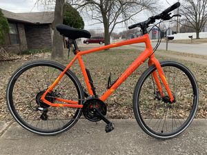 Specialized Sirrus Hybrid Bicycle for Sale in Broken Arrow, OK
