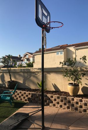 Basketball hoop with weighted base for Sale in Dana Point, CA