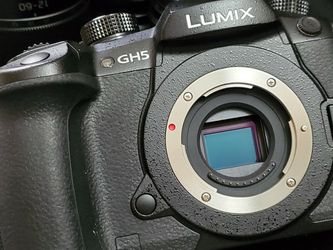 Panasonic Lumix GH5 3 Lens Bundle for Sale in Sterling,  VA