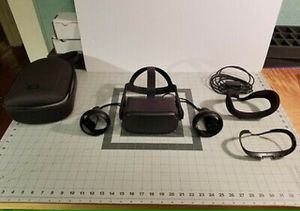 Oculus Quest 128GB VR Headset - Black for Sale in Dallas, TX