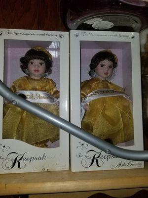 I hv some very nice antique dolls fr sale no low balling for Sale in Pennsauken Township, NJ