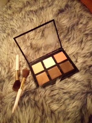Anastasia Beverly hills cream contour pallete for Sale in Claremont, CA