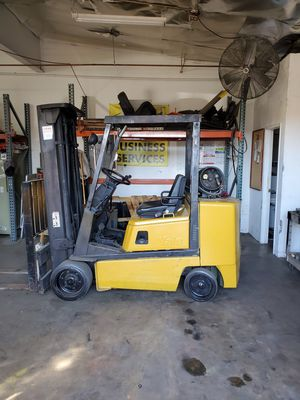 Yale GLC050, 5000 Capacity for Sale in Montclair, CA