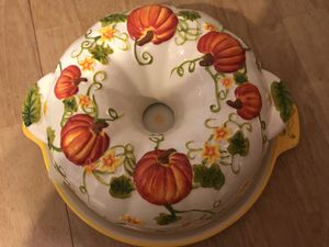 New Ceramic Bundt Pan with Serving Tray for Sale in Richmond, VA