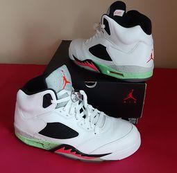 VNDS Men's Nike Air Jordan 5 Retro Poison Green White SIZE 10.5 for Sale in Marietta,  GA