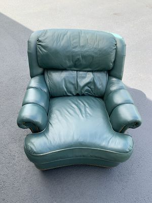 Beautiful leather armchair! Great condition for Sale in Leesburg, VA