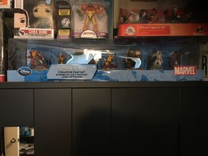 Disney Store Marvel Series 7 Pack 2-1/2 Inch Tall Figurine Playset - MODERN X-MEN with Colossus, Rogue, Gambit, Wolverine, Juggernaut, Storm and Nigh for Sale in Houston, TX