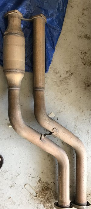 BMW E46 Front muffler exhaust 2001-07 for Sale in Downey, CA