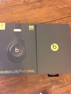 Beats Studio 3 BOX only !! 🎧🎧🎧 for Sale in Boca Raton, FL