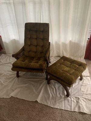 Vintage 2 piece chair and foot stool for Sale in Stonecrest, GA