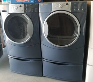 KENMORE FRONT LOADER WASHER AND DRYER SET WITH PEDESTAL for Sale in Kissimmee, FL
