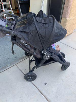 "City Mini ""double"" Jogger 🏃♀️ stroller for Sale in Las Vegas, NV"