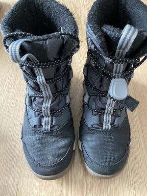 Little kid Merrell Snow boots for Sale in Aurora, IL