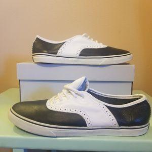 Authentic VANS VAULT OG Era Men's Black And White Leather SADDLE SHOES Size 7.5 for Sale in Kenosha, WI