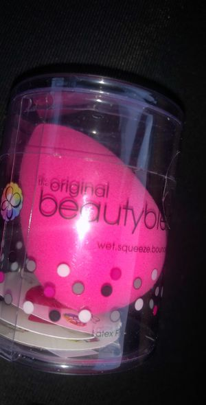 Beauty blender sponge for Sale in Anaheim, CA