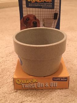 Dog crate bowl NWT for Sale in Gaithersburg,  MD