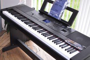 Yamaha Dgx-660 Portable Grand Piano 88-keys for Sale in Adelphi, MD