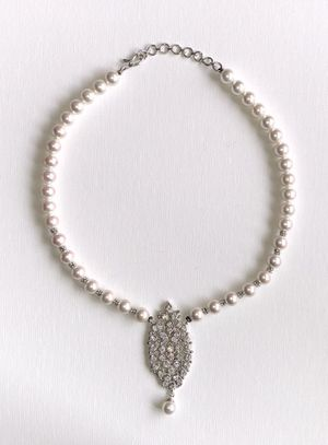 Imitation diamond and pearls necklace for Sale in Clarksburg, MD