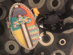 Baby carrier and play mat. for Sale in Arlington, TX