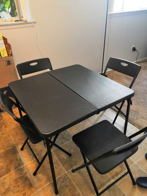 5 peice set. Table and chairs for Sale in Westland, MI