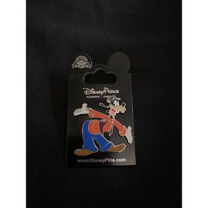 Disney Goofy Pin for Sale in Baldwin Park, CA