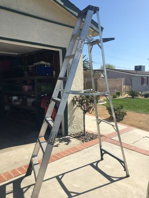 8 ft ladder for Sale in San Bernardino, CA