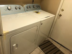 Whirlpool Laundry Machine: 3.5 cu ft Washer & 7.0 cu. ft Dryer for Sale in Elk Grove, CA