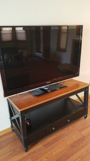 SUPER BOWL SUNDAY 55 inch Samsung tv with stand for Sale in Yuma, AZ