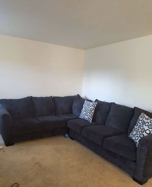 Nice Sectional coffee brown non smokers 1 year old for Sale in Beaverton, OR