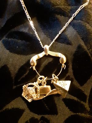 STERLING CHARMS ~ COWBOY HAT + INDIAN TEEPEE + LUCKY HORSESHOE W/HORSE on STERLING CHAIN 925, Italy c1980 2 Tone; gold & silver color for Sale in Tacoma, WA